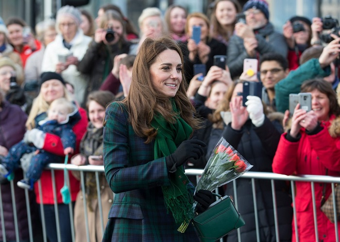 Кейт Миддлтон в зеленом пальто Alexander McQueen