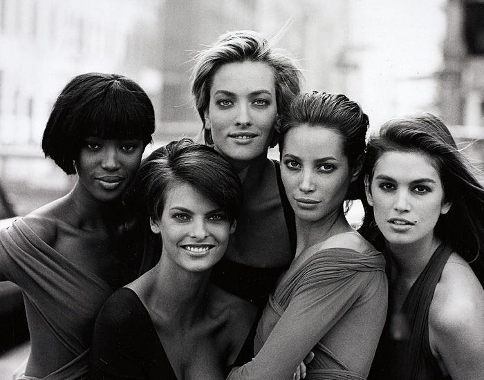 Черно-белая обложка Vogue c супермоделями