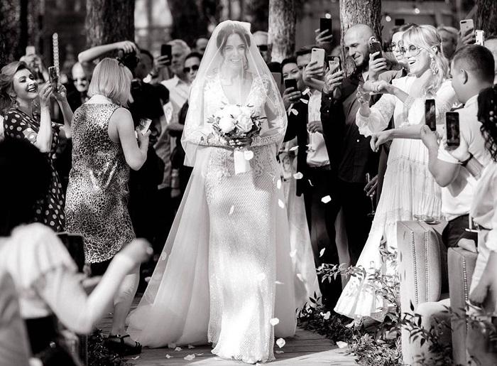 Настя Каменских невеста