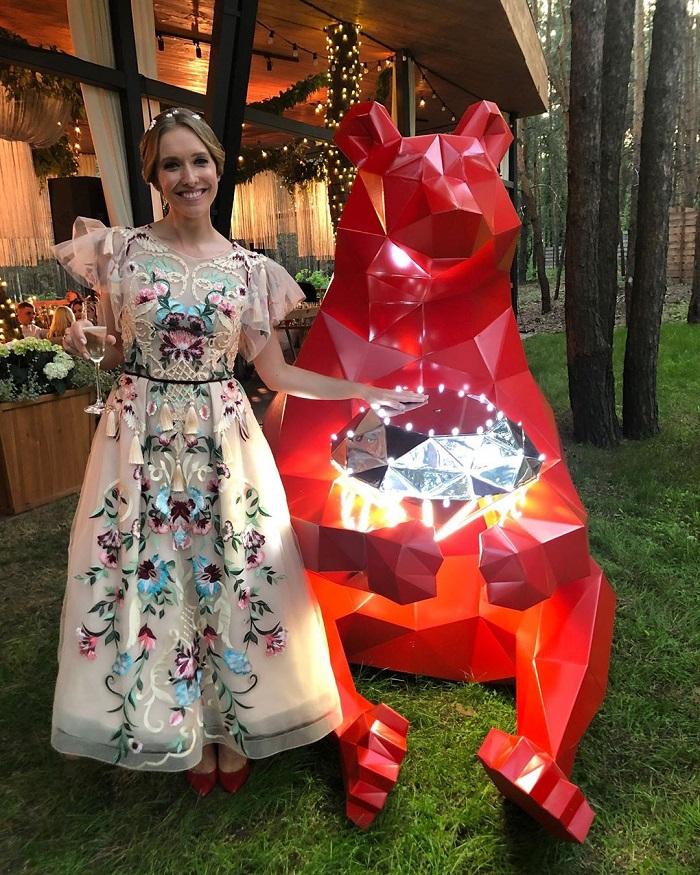 Катя Осадчая на свадьбе Потапа и Насти