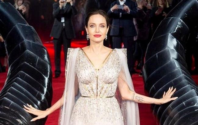 Анджелина Джоли в платье Ralph & Russo
