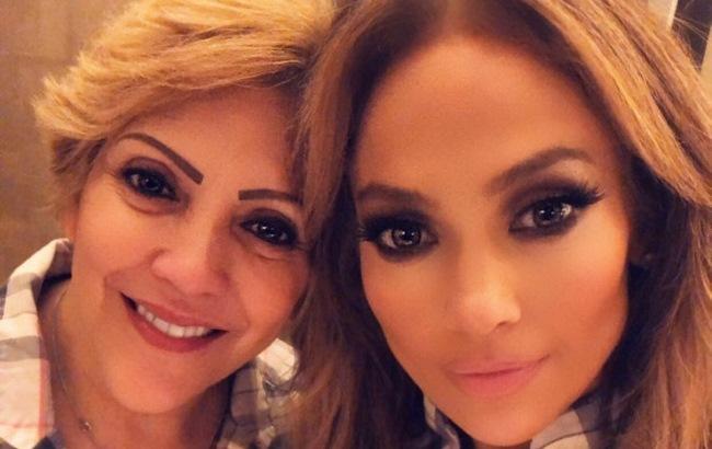 Дженнифер Лопес с мамой Гваделупе Родригес