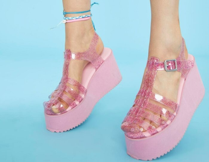 Трендовая обувь - красота и здоровье